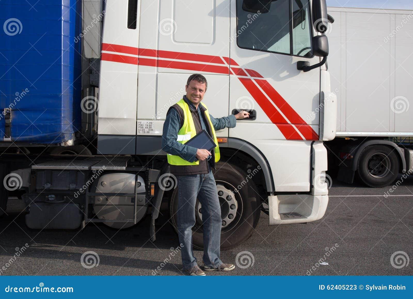 Logistique - conducteur fier