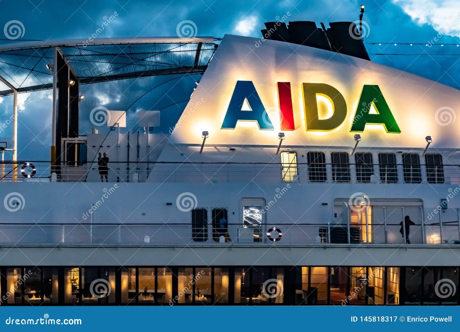 Logo d AIDA sur le bateau de croisière d Aida Sol AIDAsol