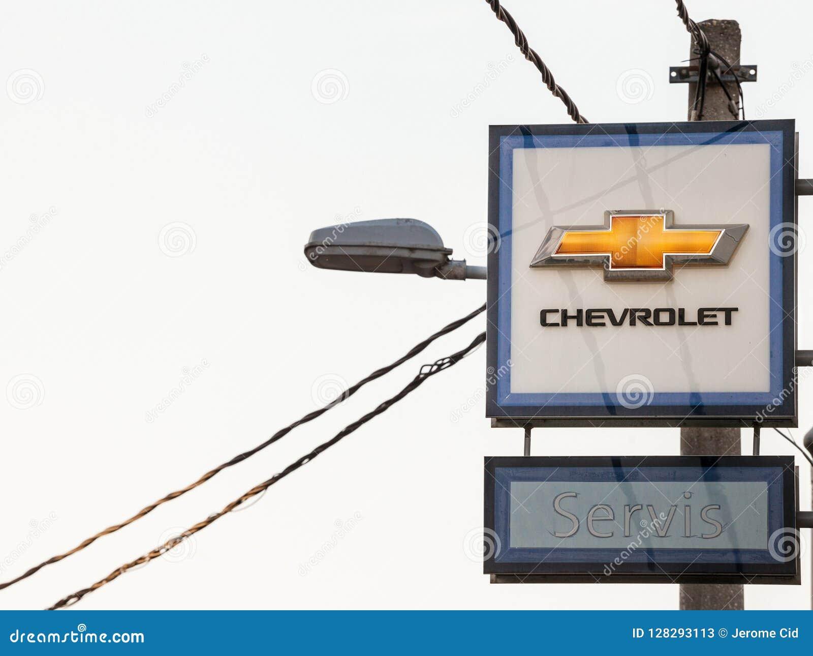 Logo De Chevrolet Sur Leur Magasin Principal Belgrade De