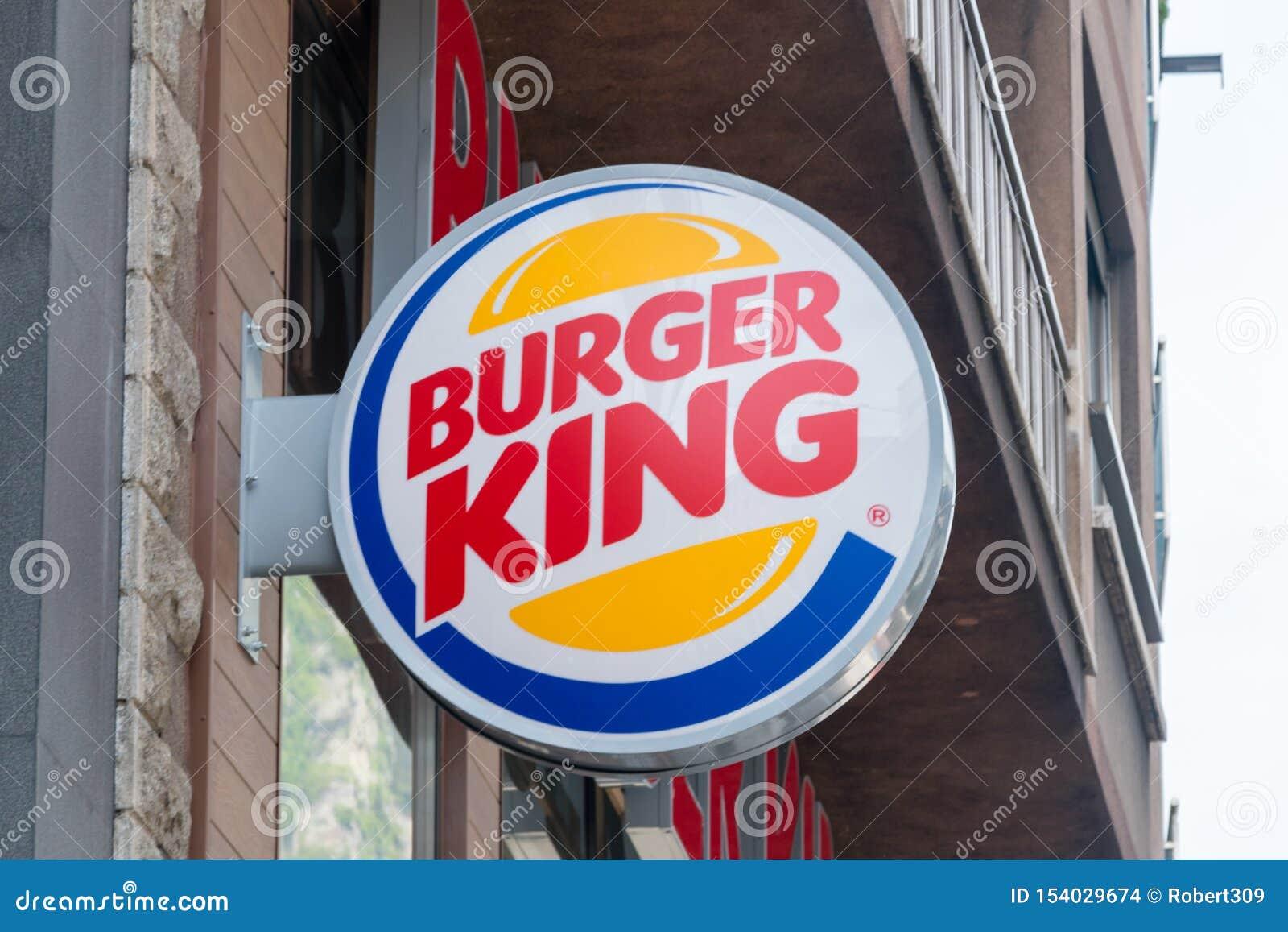 Logo och tecken av Burger King Burger King ?r en amerikansk global kedja av hamburgaresnabbmatrestauranger