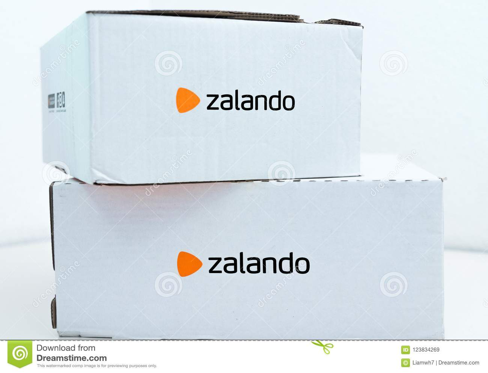 best website 04ae7 09a78 Geneva/Switzerland-10.08.18: Zalando Online Shopping Clothes ...