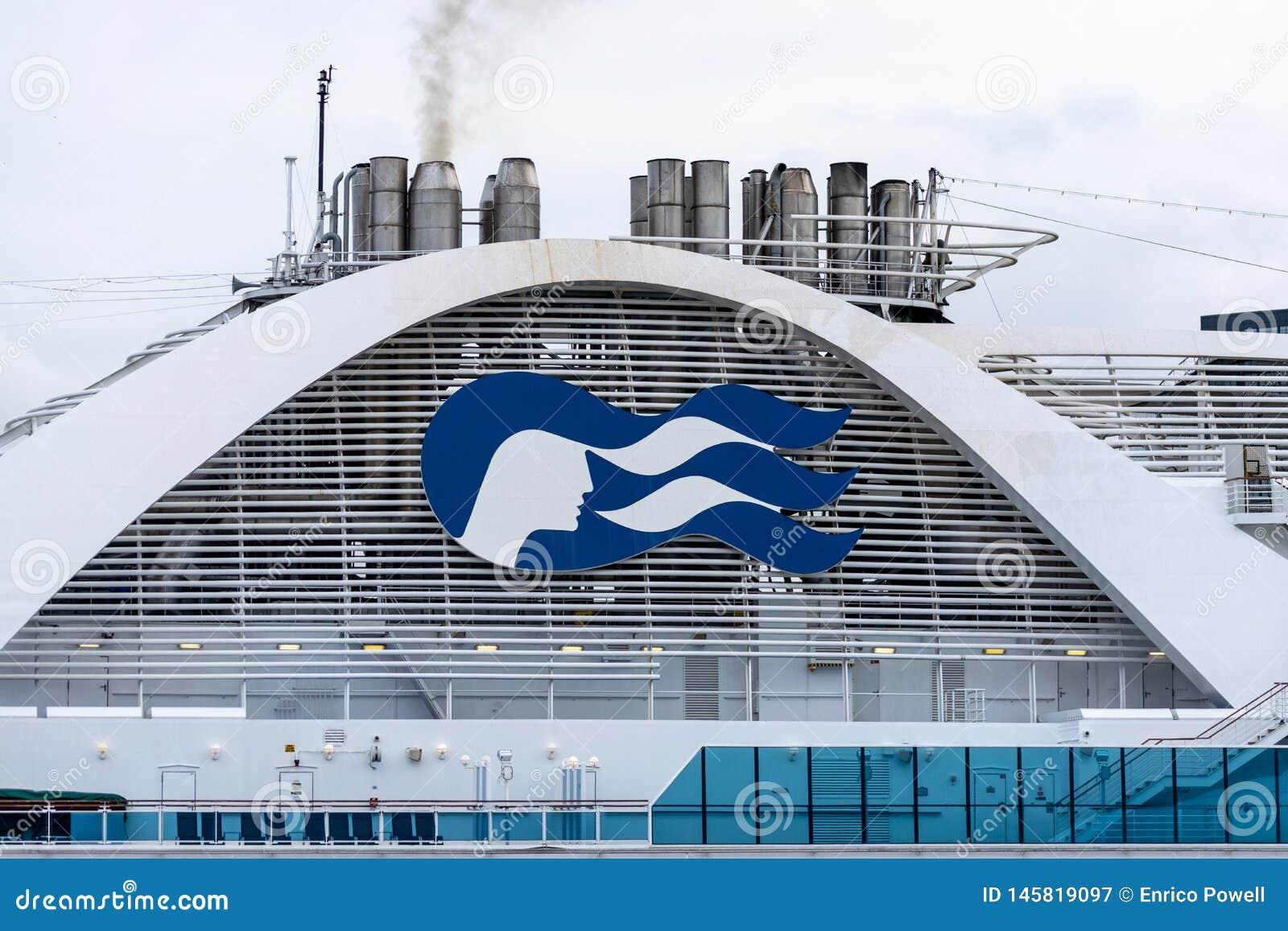 Logo/tecken/emblem för prinsessa Cruises på Emerald Princess Cruise Ship
