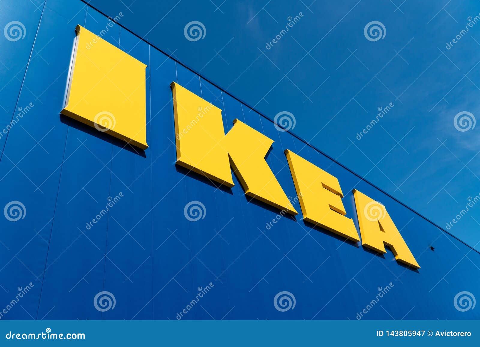 Logotipo al aire libre de la tienda de IKEA