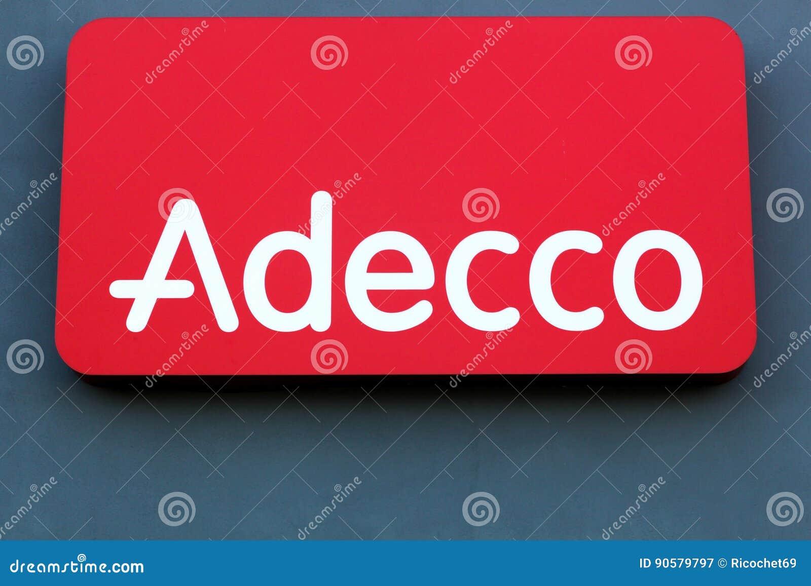 Logotipo De Adecco En Una Pared Fotografía Editorial