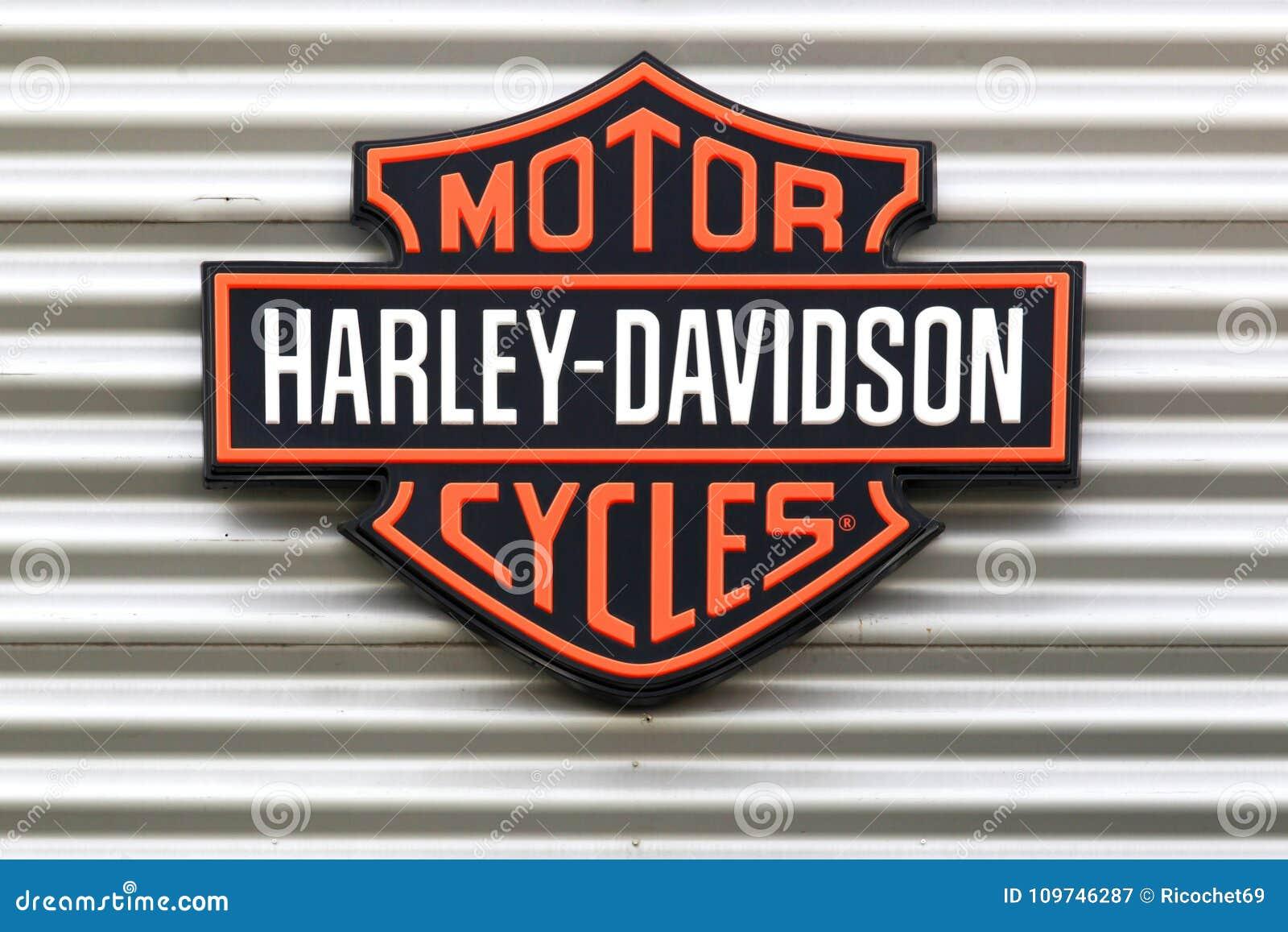 logotipo de harley davidson em uma parede fotografia editorial imagem de lifestyle ciclo. Black Bedroom Furniture Sets. Home Design Ideas