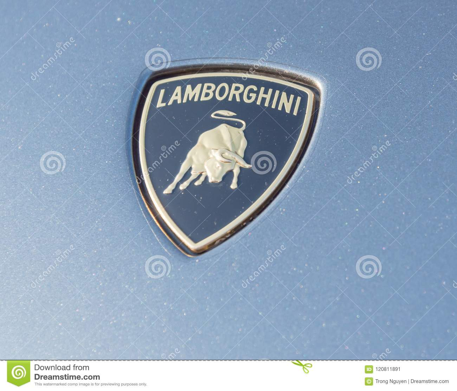 Logotipo De Lamborghini Del Primer En Grey Aventador Foto Editorial