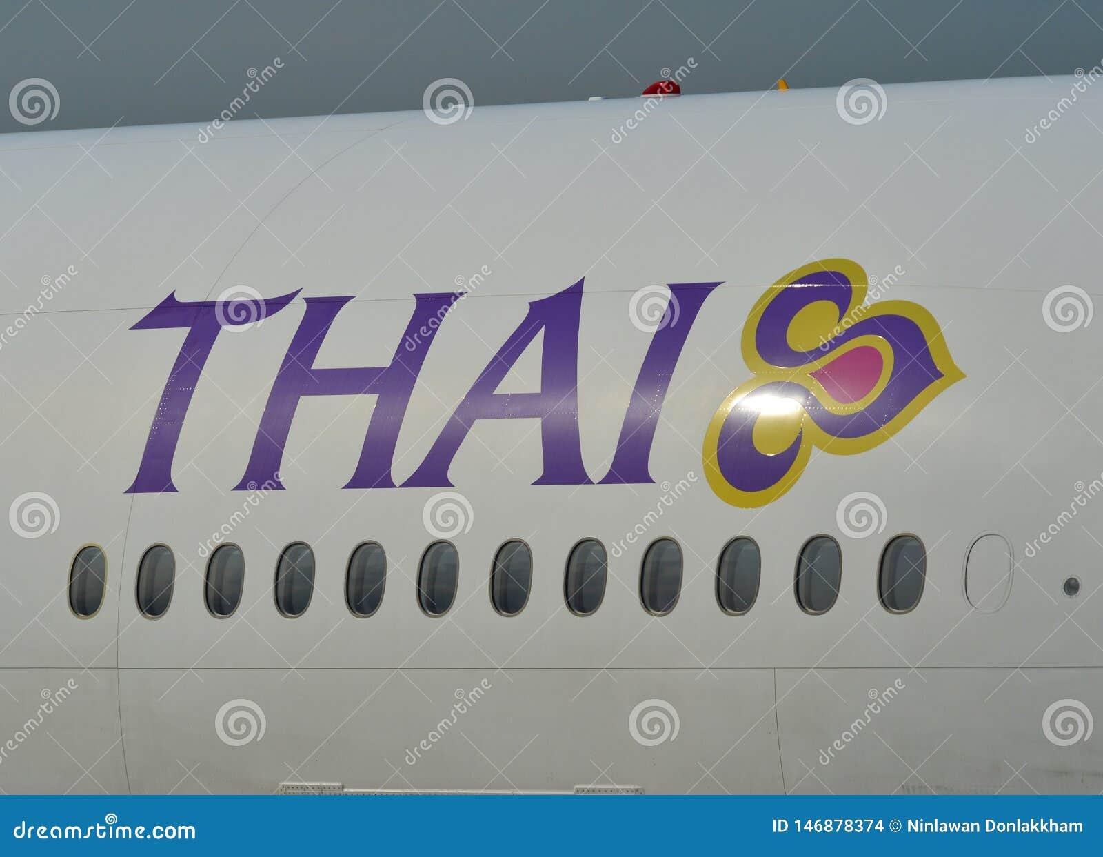 Logotipo de Thai Airways en cuerpo de los aviones