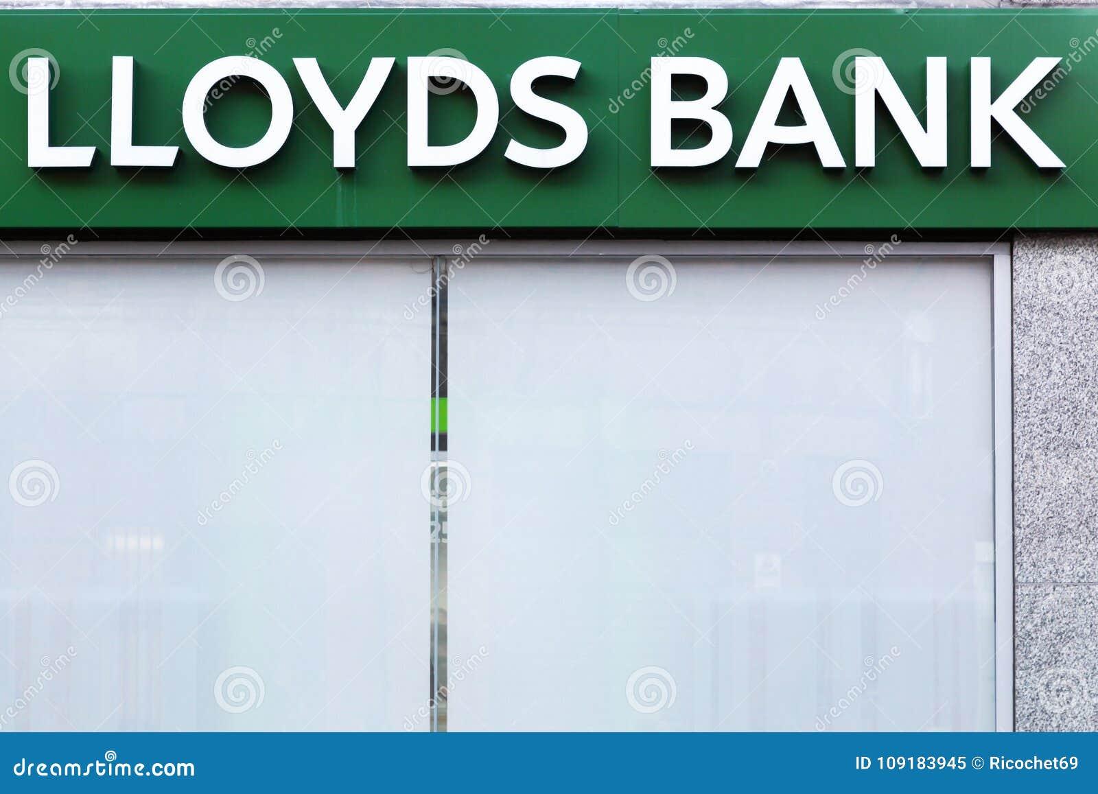 Logotipo do banco de Lloyds em uma parede