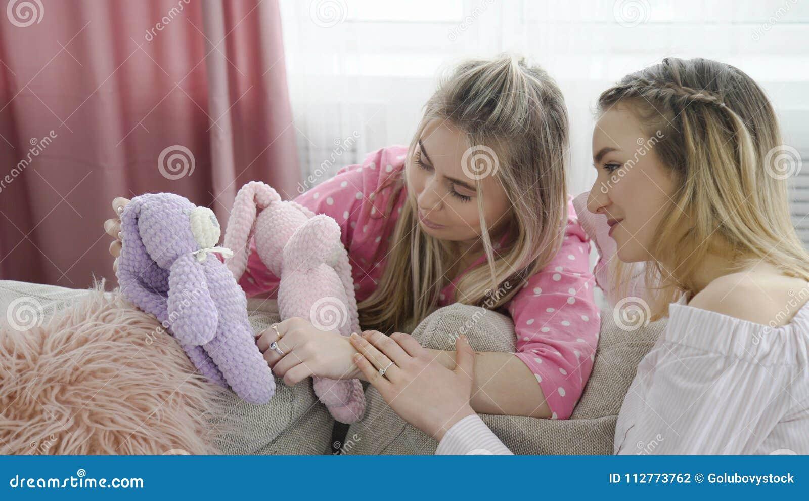 Loisirs de l adolescence de jouet de fille de mode de vie infantile puérils
