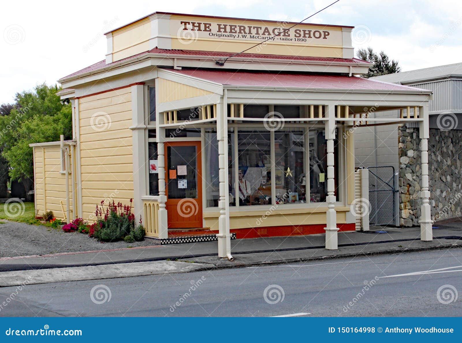 A loja da herança no quadrado principal no martinborough, Nova Zelândia
