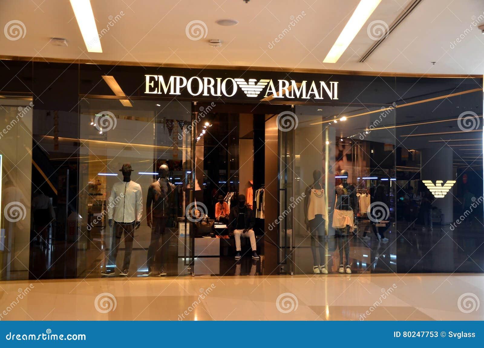 43a7cee9ea534 Loja de Emporio Armani foto de stock editorial. Imagem de armani ...