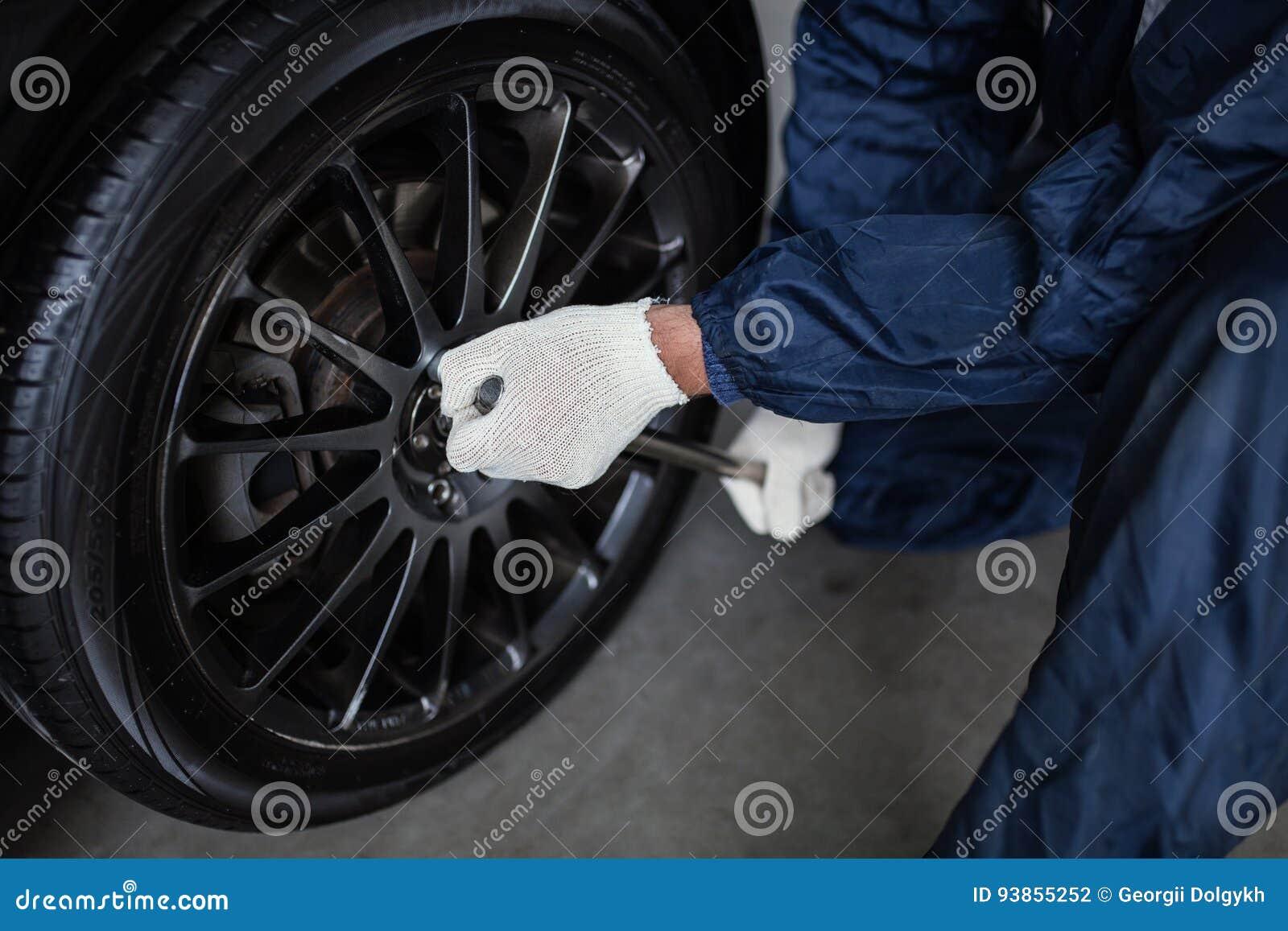 Loja do encaixe do pneu