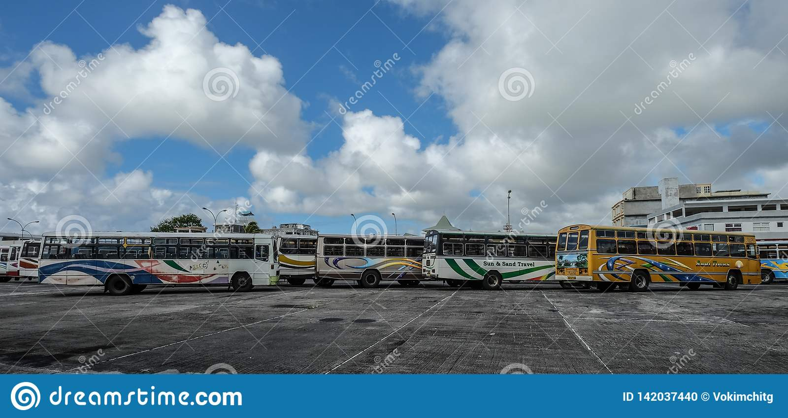 Lokale bus bij hoofdpost in Mauritius