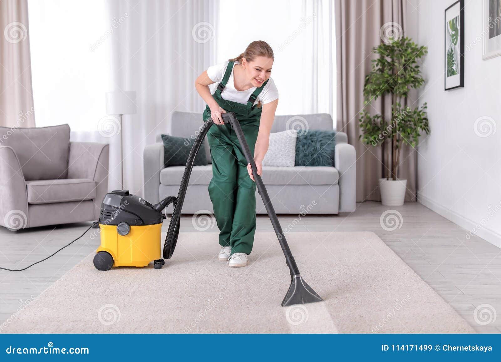 Lokalvårdmatta för kvinnlig arbetare med vakuum