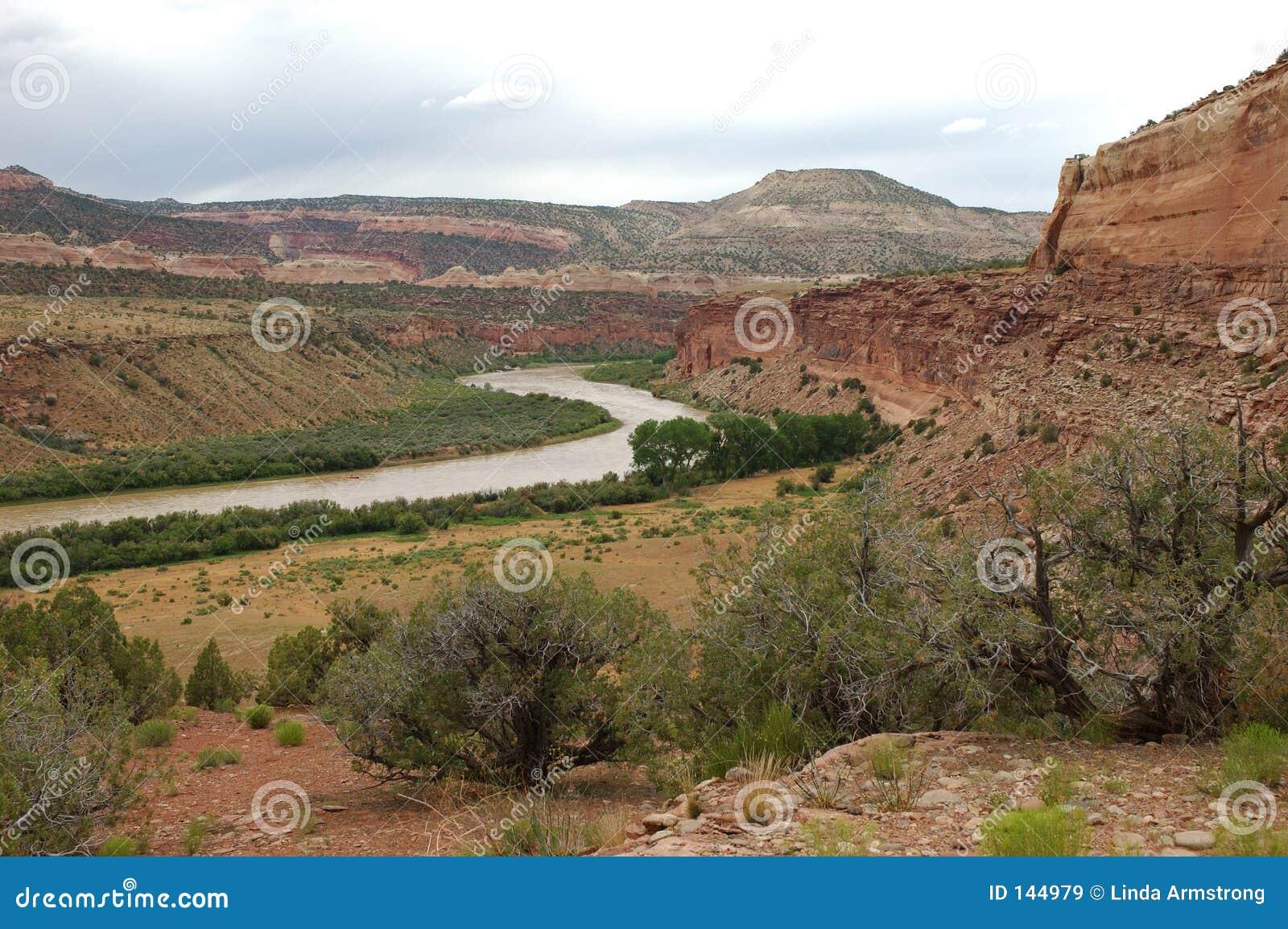 Loma niedaleko rzeki colorado