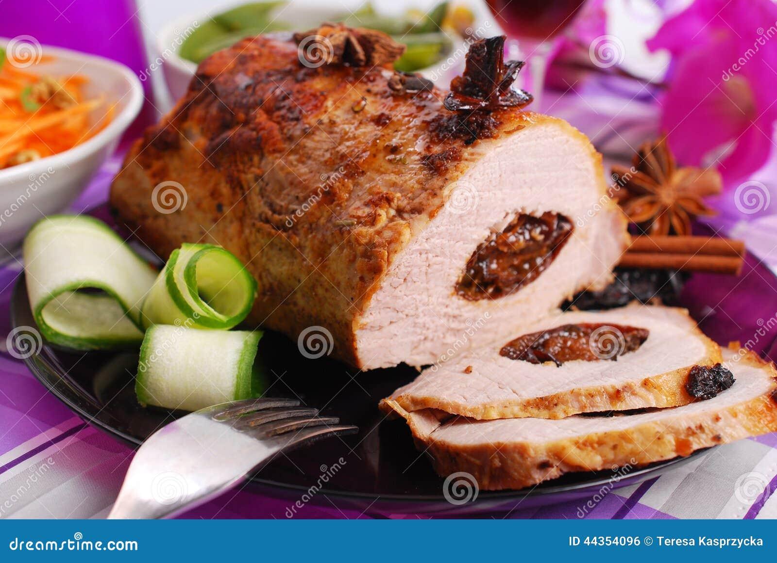 Lombo arrostito della carne di maiale farcito con la prugna