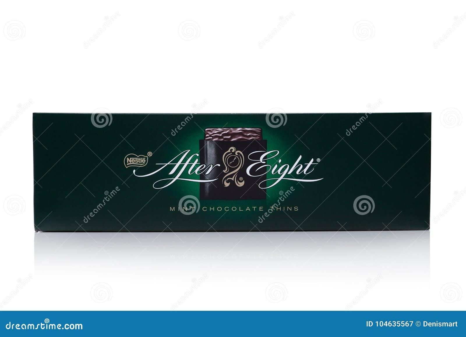 Download LONDEN, Het UK - 24 November, 2017: Na De Doos Van De Acht Muntchocolade Op Wit Gevestigd In 1962, Na Acht Wordt Erkend Als Le Redactionele Fotografie - Afbeelding bestaande uit dessert, doos: 104635567