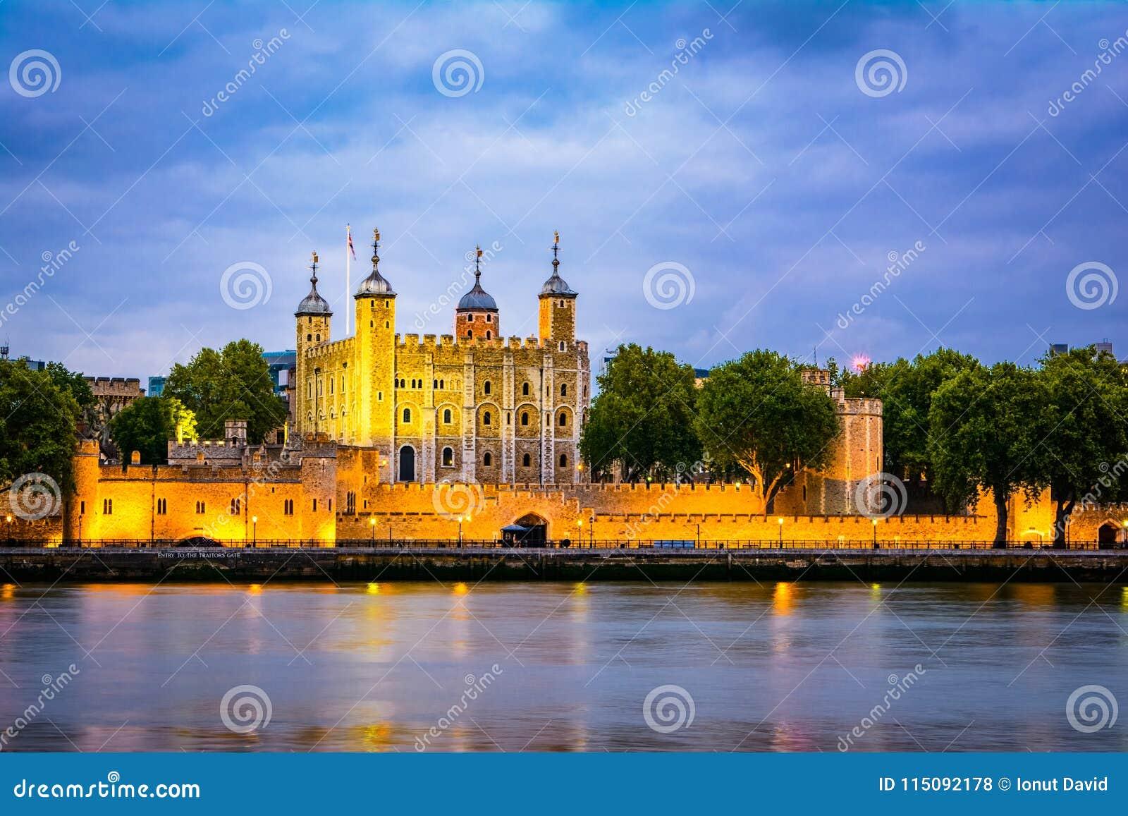 Londen, het Verenigd Koninkrijk van Groot-Brittannië: Nachtmening van de Toren van Londen, het UK