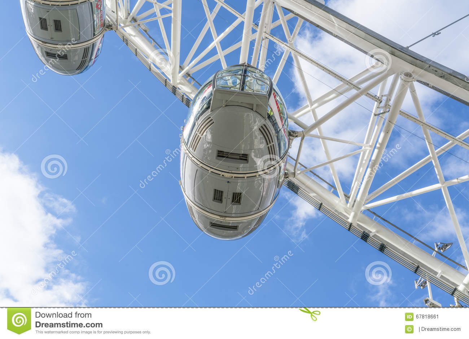 London Eye Capsules London Uk Editorial Photo Image Of Traffic