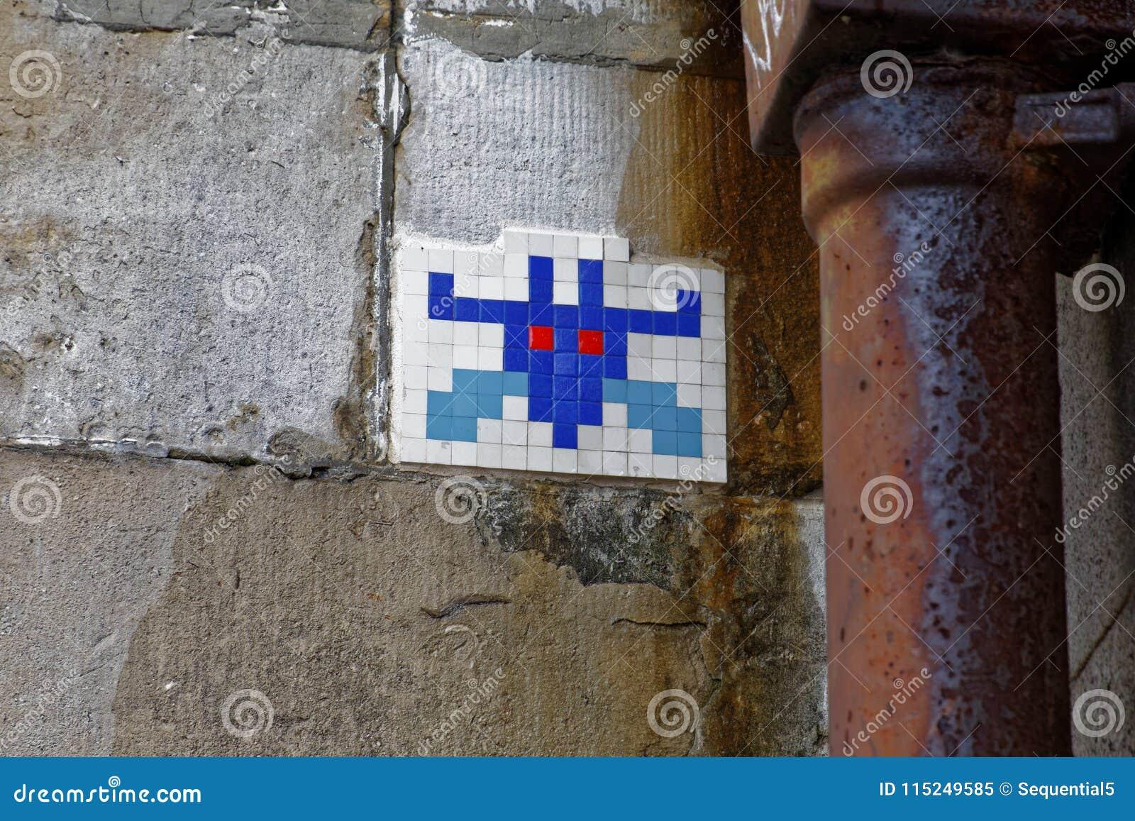 Pixel art on the Thames