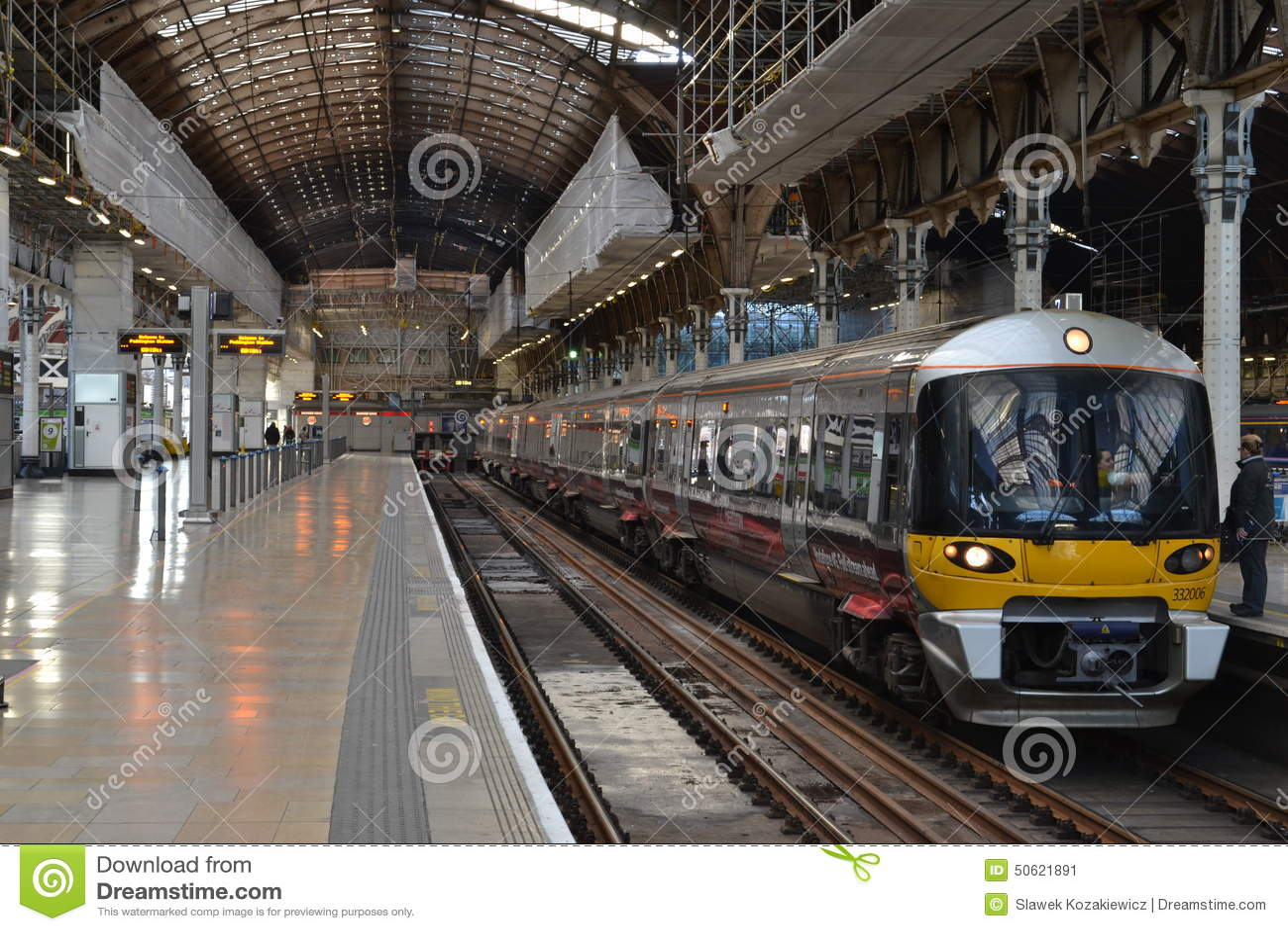 London Paddington Train Station Editorial Photo Image of platform