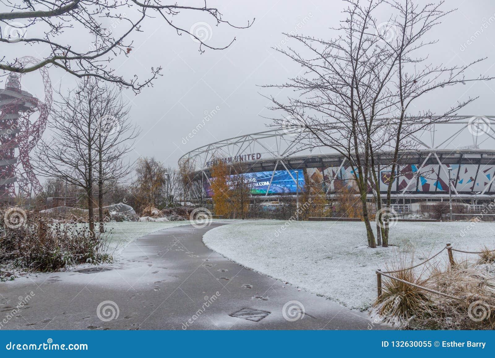 London Stadium in snow, Queen Elizabeth Olympic Park