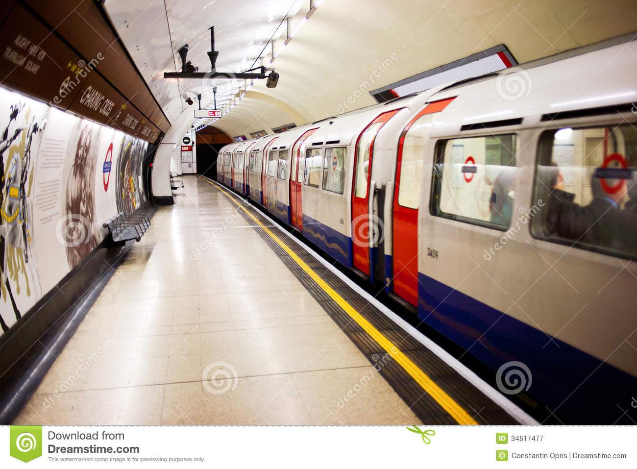 London Subway Stopped Editorial Photography Image 34617477