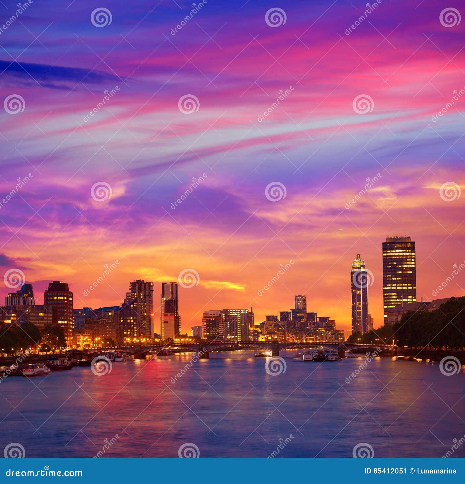 London sunset at Thames river near Big Ben