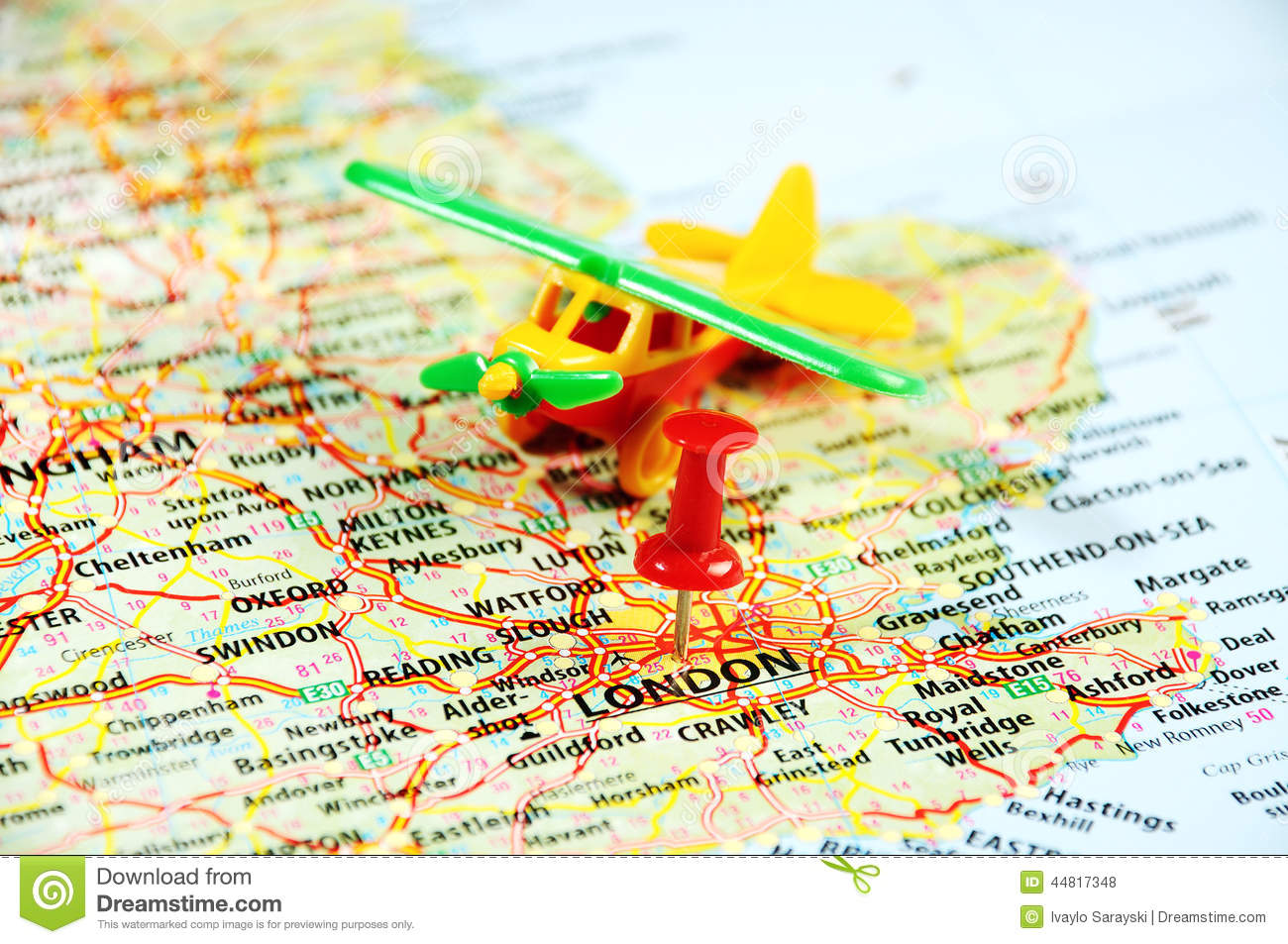 london uk map pin airplane