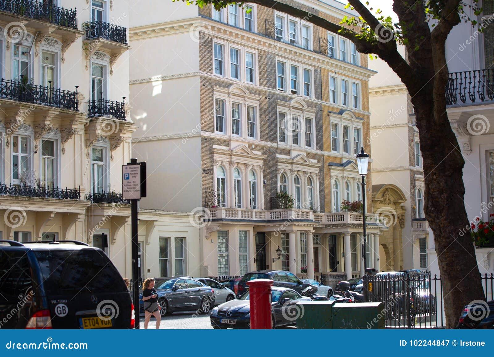 Luxury Apartment Buildings In Kensington. Centre London Residential ...