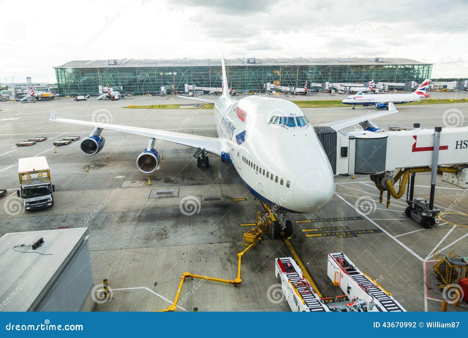 LONDON, VEREINIGTES KÖNIGREICH - 19. AUGUST 2014: Brithis-Fluglinien Boeing