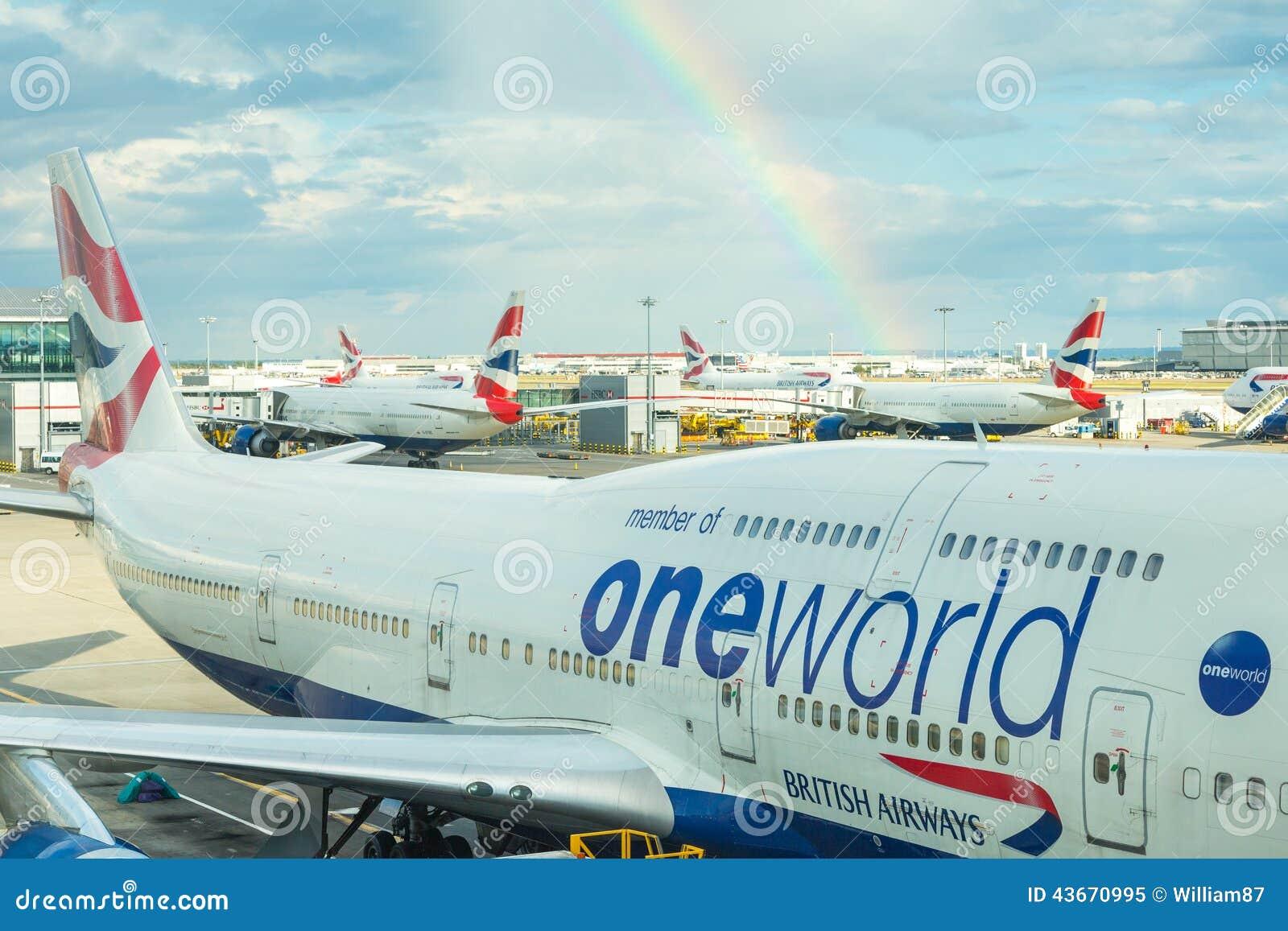 LONDON, VEREINIGTES KÖNIGREICH - 19. AUGUST 2014: British Airways Boeing