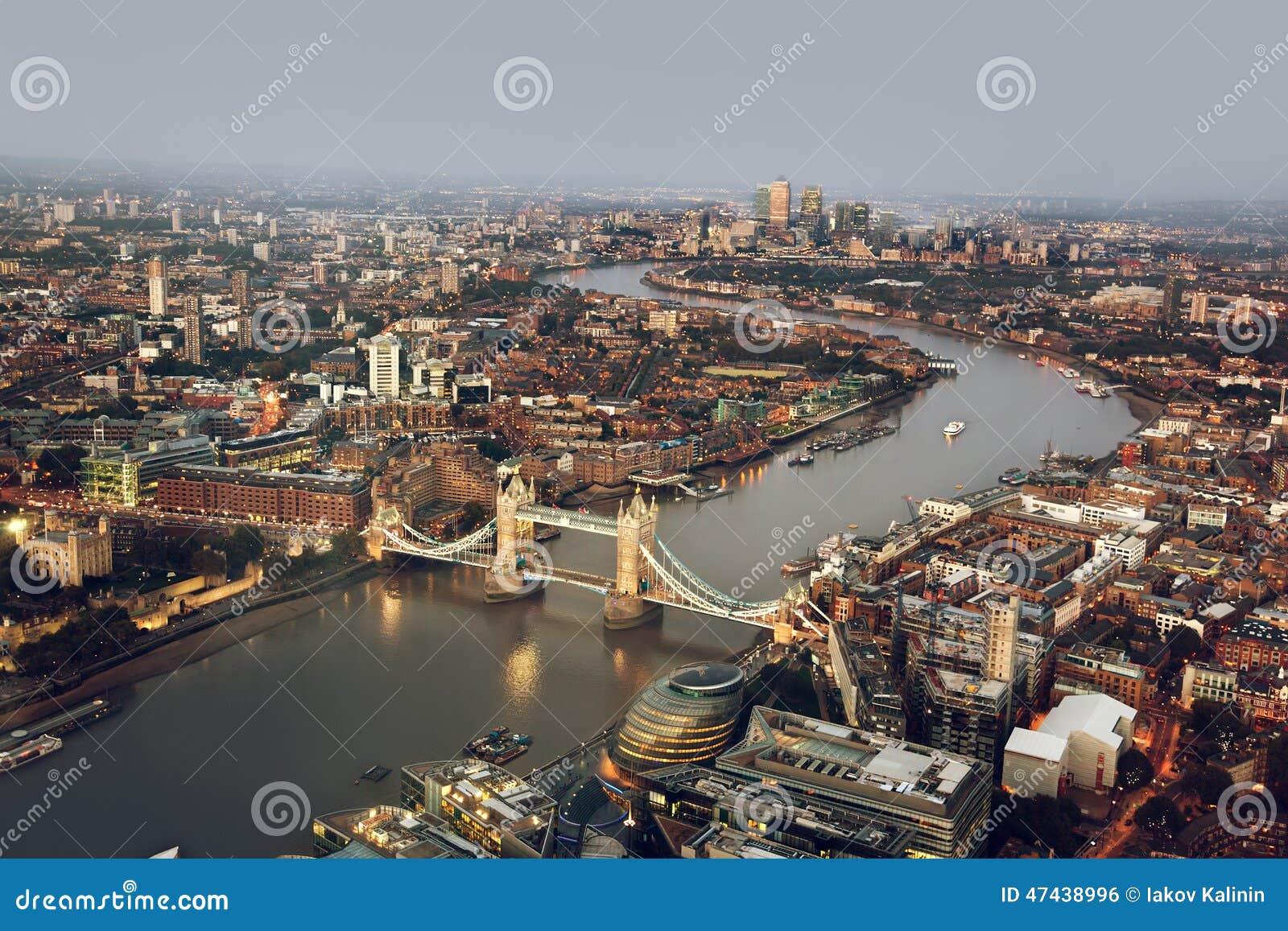 London vogelperspektive mit turm br cke gro britannien stockfoto bild 47438996 - Vogelperspektive englisch ...