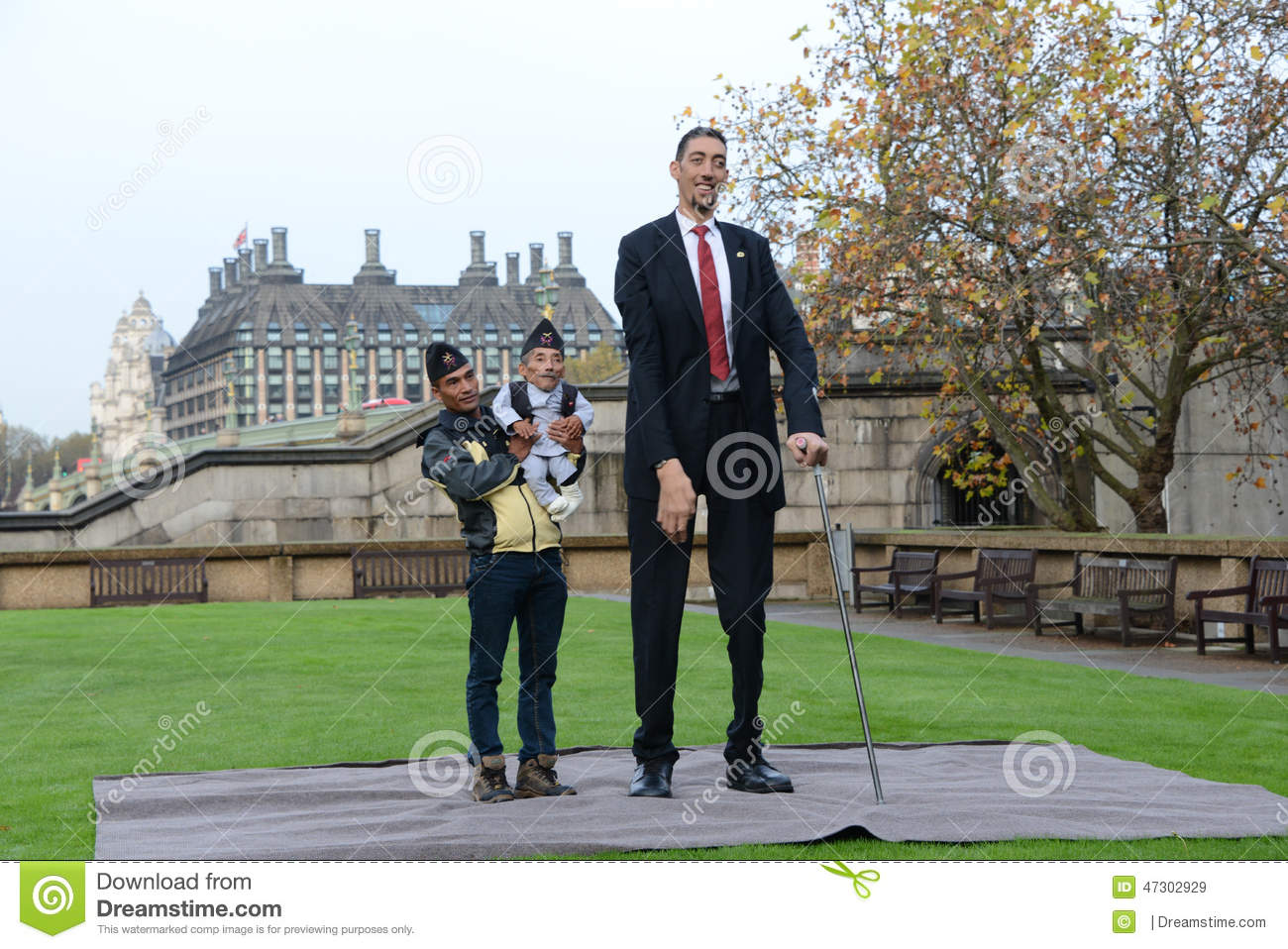 Guinness book of world records 2015 tallest man alive 2016