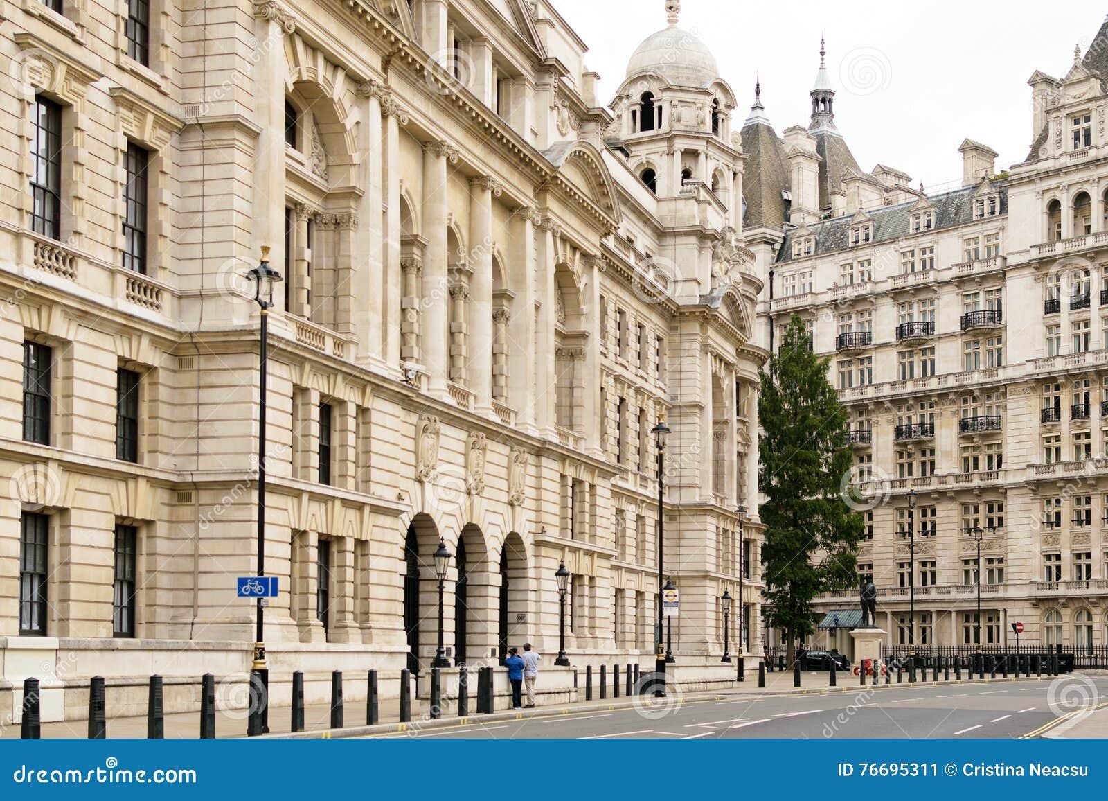 Londres angleterre vue extérieure du vieil immeuble de bureaux