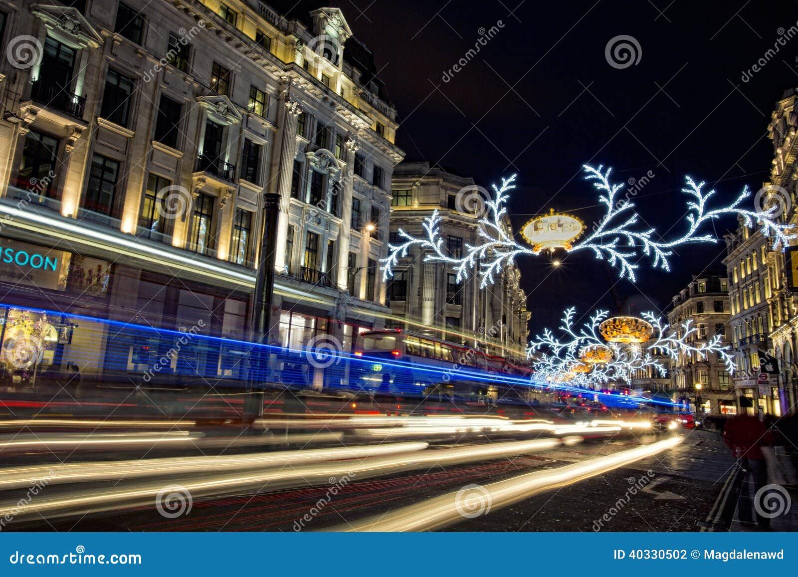 #24346E Londres Avant Noël Photographie éditorial Image: 40330502 5317 decorations de noel a londres 1300x957 px @ aertt.com