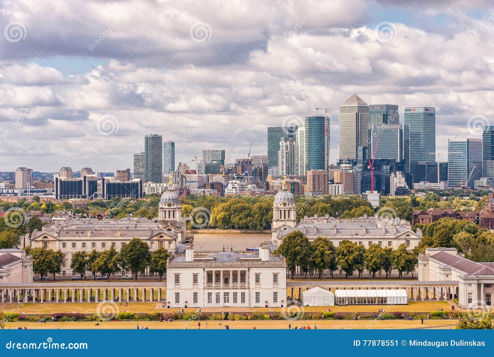 LONDRES, INGLATERRA - 21 DE AGOSTO DE 2016: Parque Y Museo Marítimo Nacional, Jardines, Universidad De Greenwich De Greenwich, Na Foto editorial