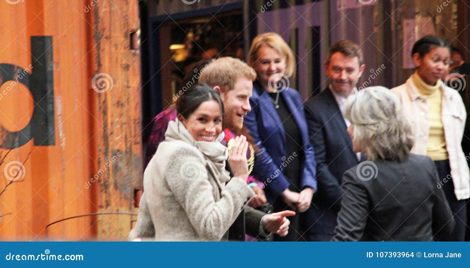 Londres, Reino Unido 9 de janeiro de 2018 Rádio de Reprezent da visita do príncipe Harry e do Meghan Markle em POP Brixton para v