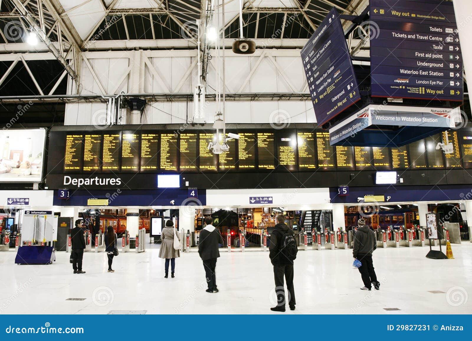 Ideia interna da estação de Londres Waterloo