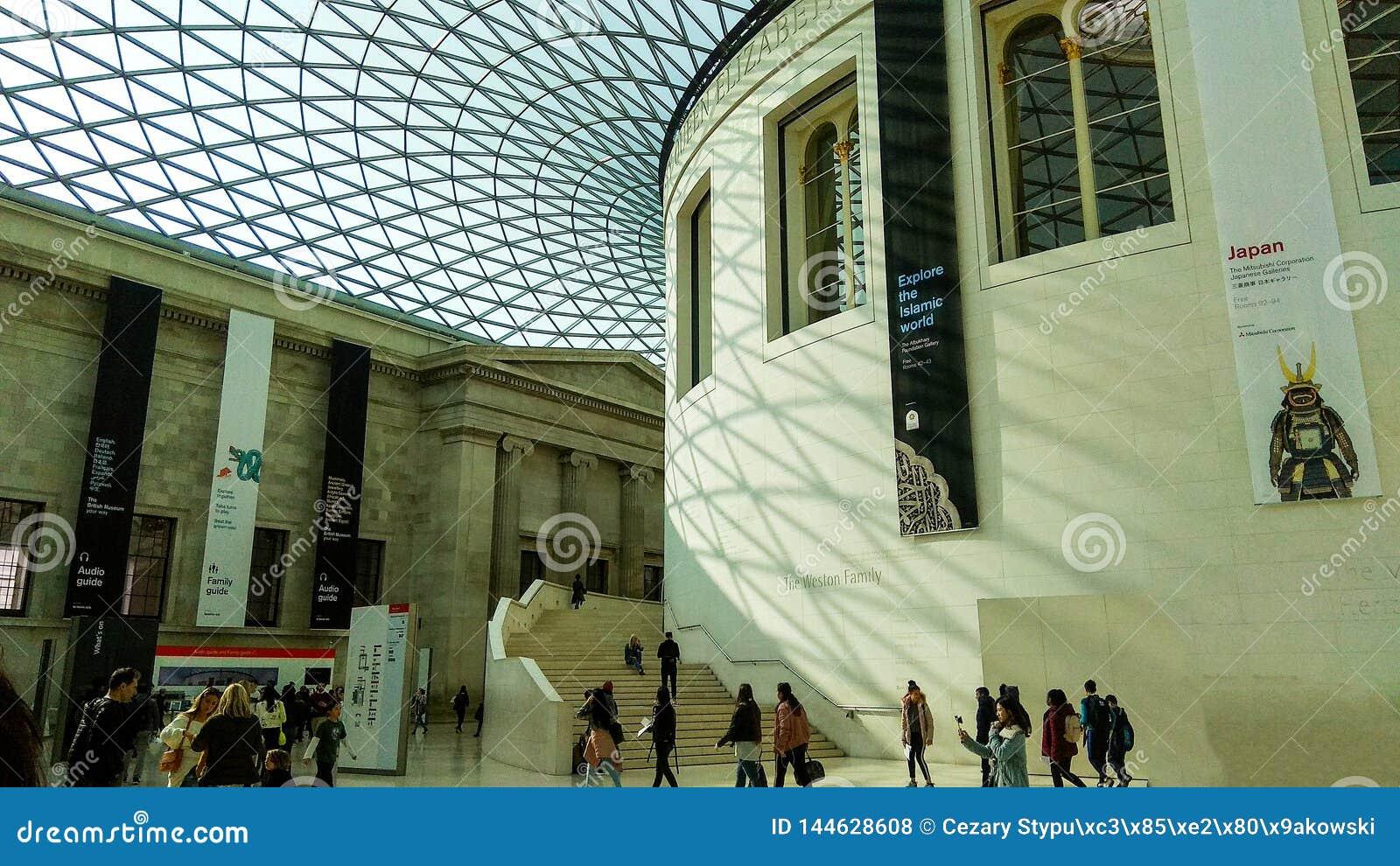 Londyn, Zjednoczone Królestwo/- 03/21/2019: główna sala British Museum