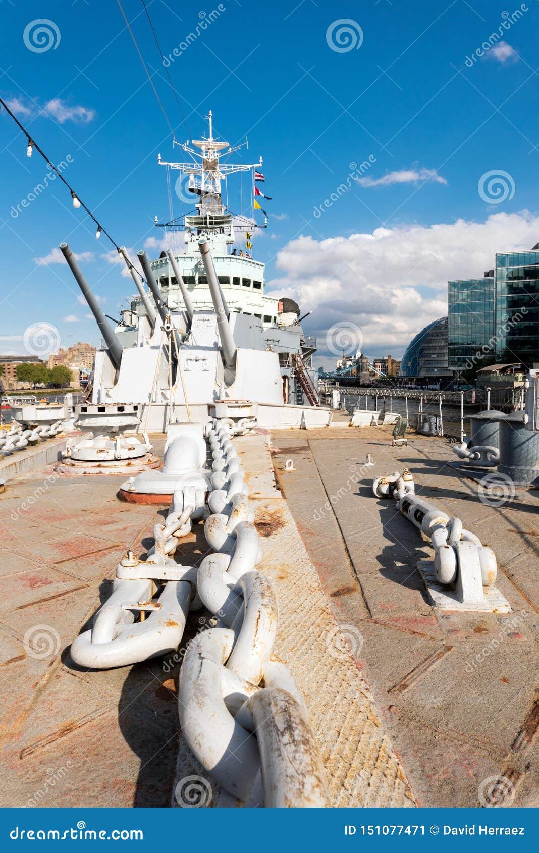 Londyn Zjednoczone Królestwo, Maj, - 13, 2019: Widok HMS Belfast royal navy światła rejs - okrętu wojennego muzeum w Londyn belfa