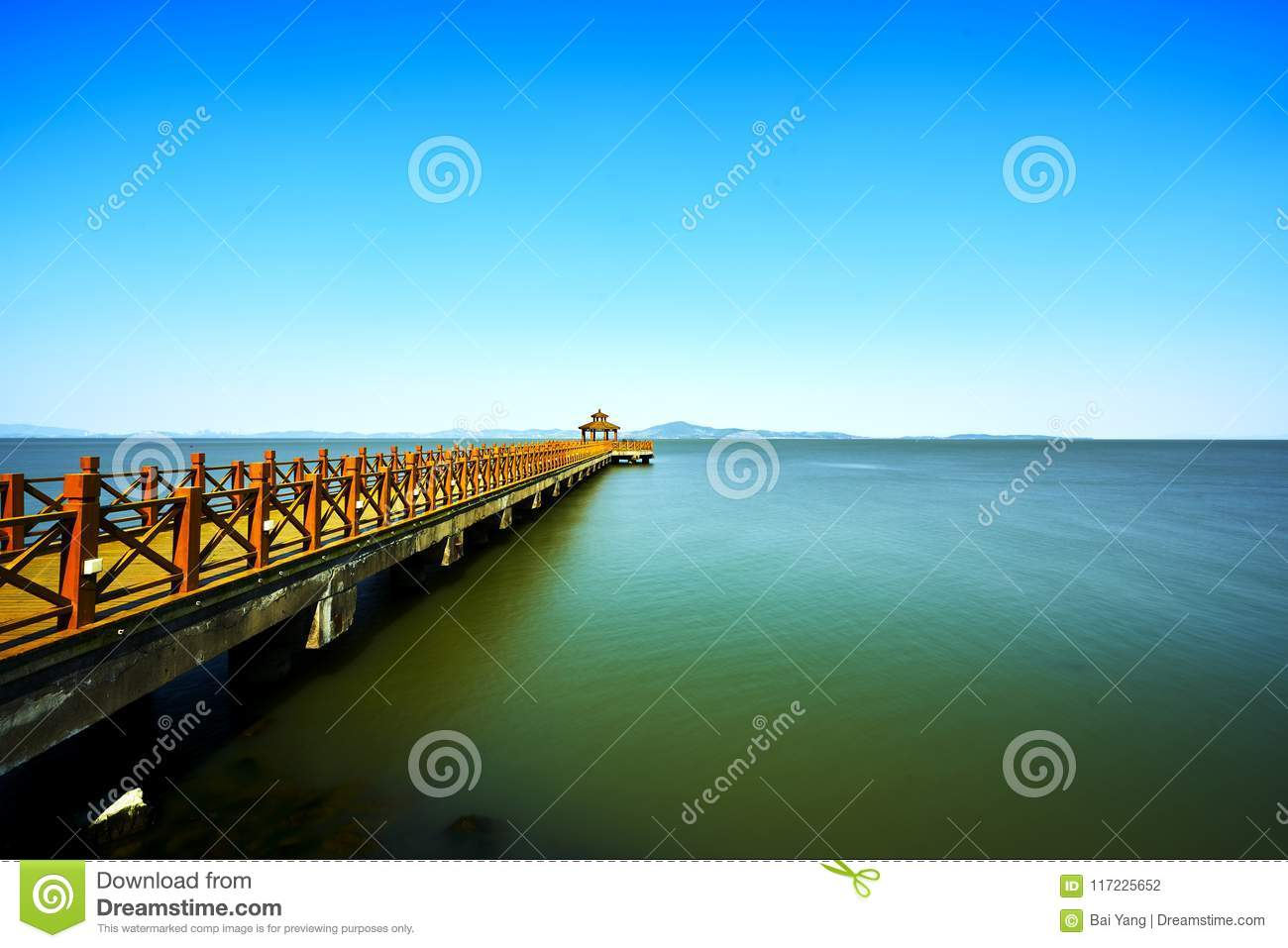 Long bridge in Taihu