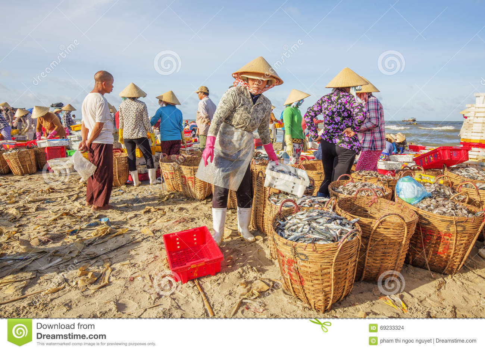 Long hai fish market editorial stock image image 69233324 for Closest fish market
