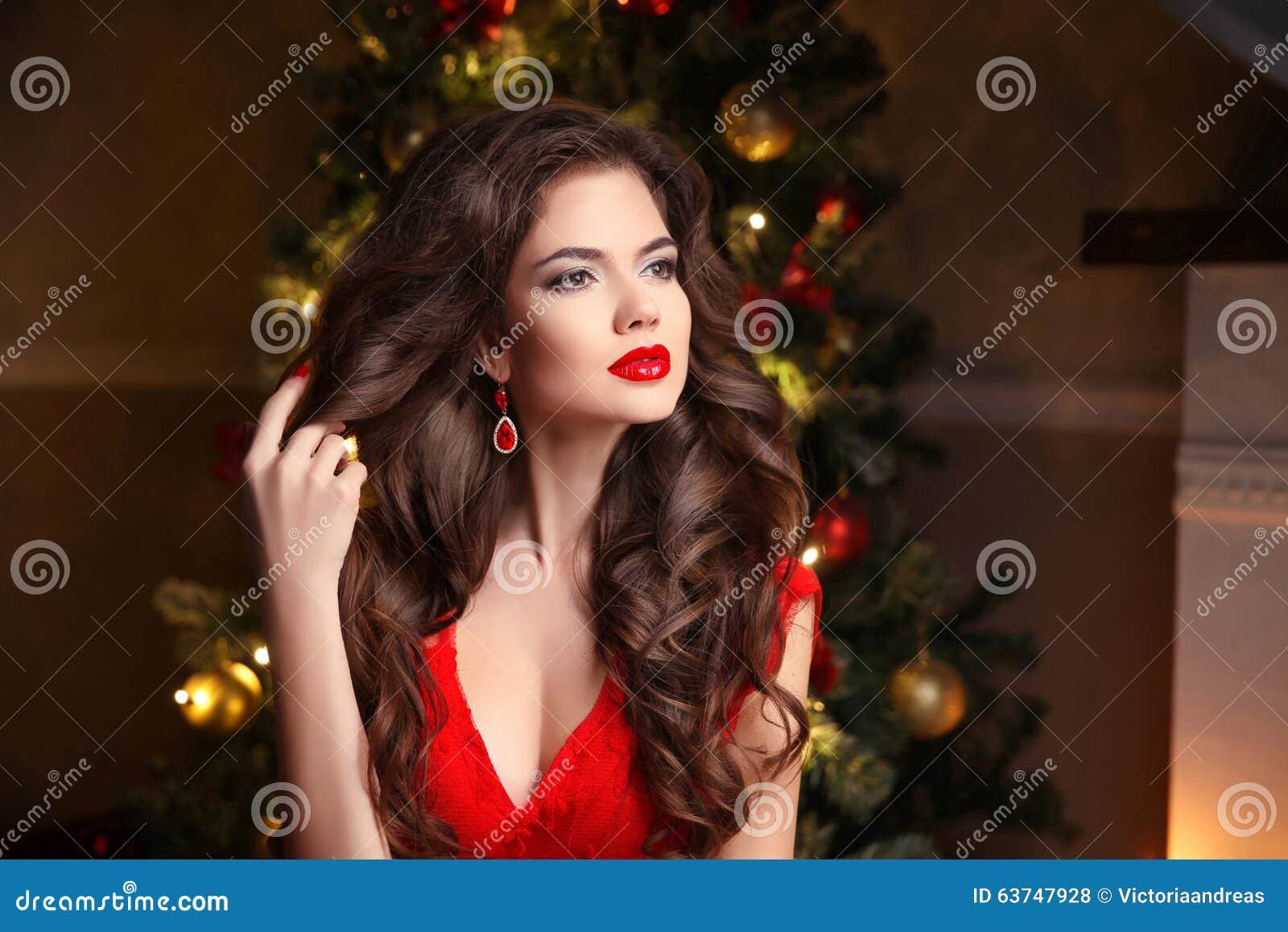 Christmas Hairstyles For Black Hair.Long Hair Makeup Christmas Woman Beautiful Girl Portrait