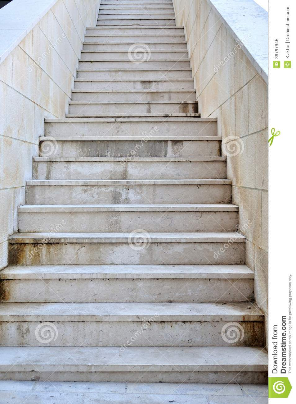 Long stairs with steps stock photo for Escaleras largas