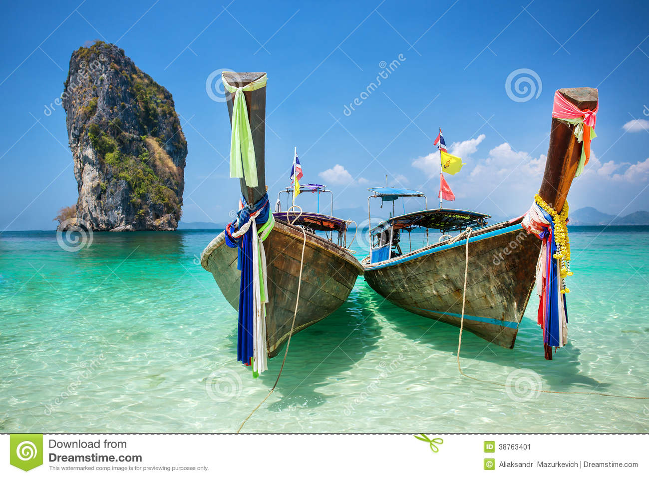 Longtail boat at the tropical beach of Poda island