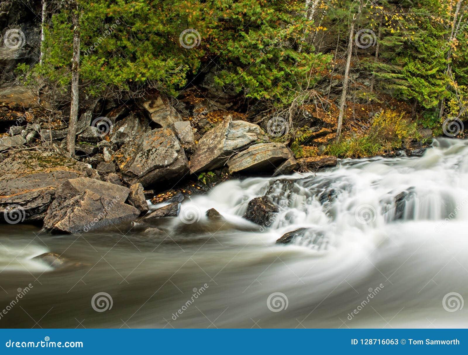 Longue cascade d exposition sur la rivière de York