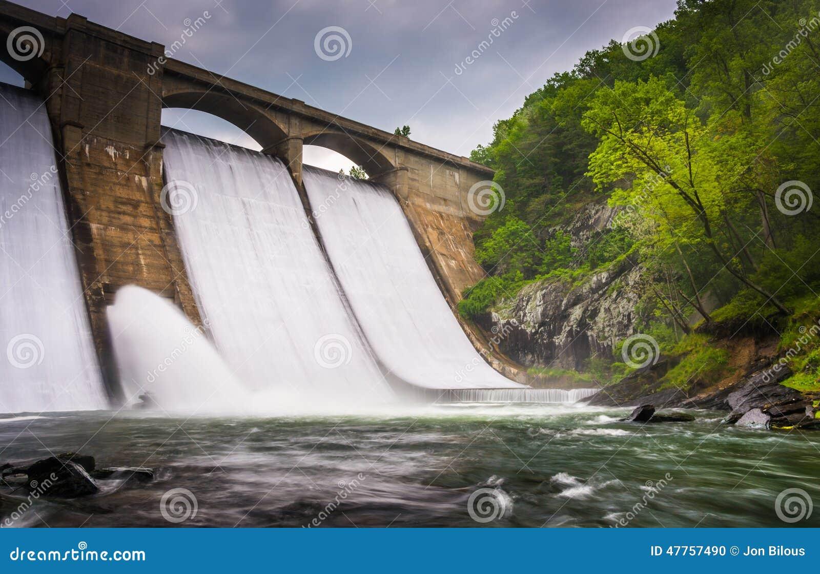 Longue exposition de barrage de Prettyboy et de la rivière de poudre dans Baltim