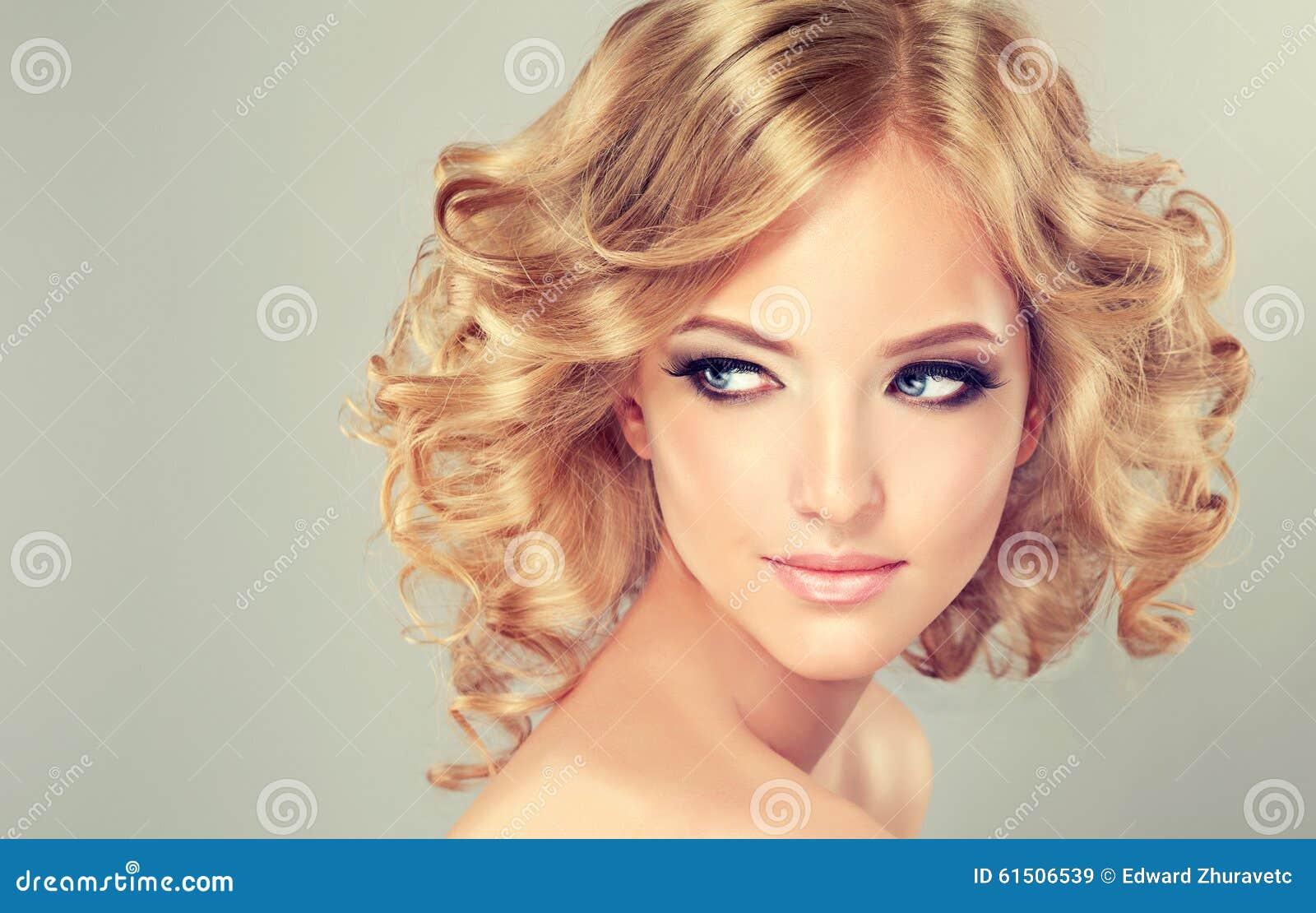 Longueur de milieu de coiffure