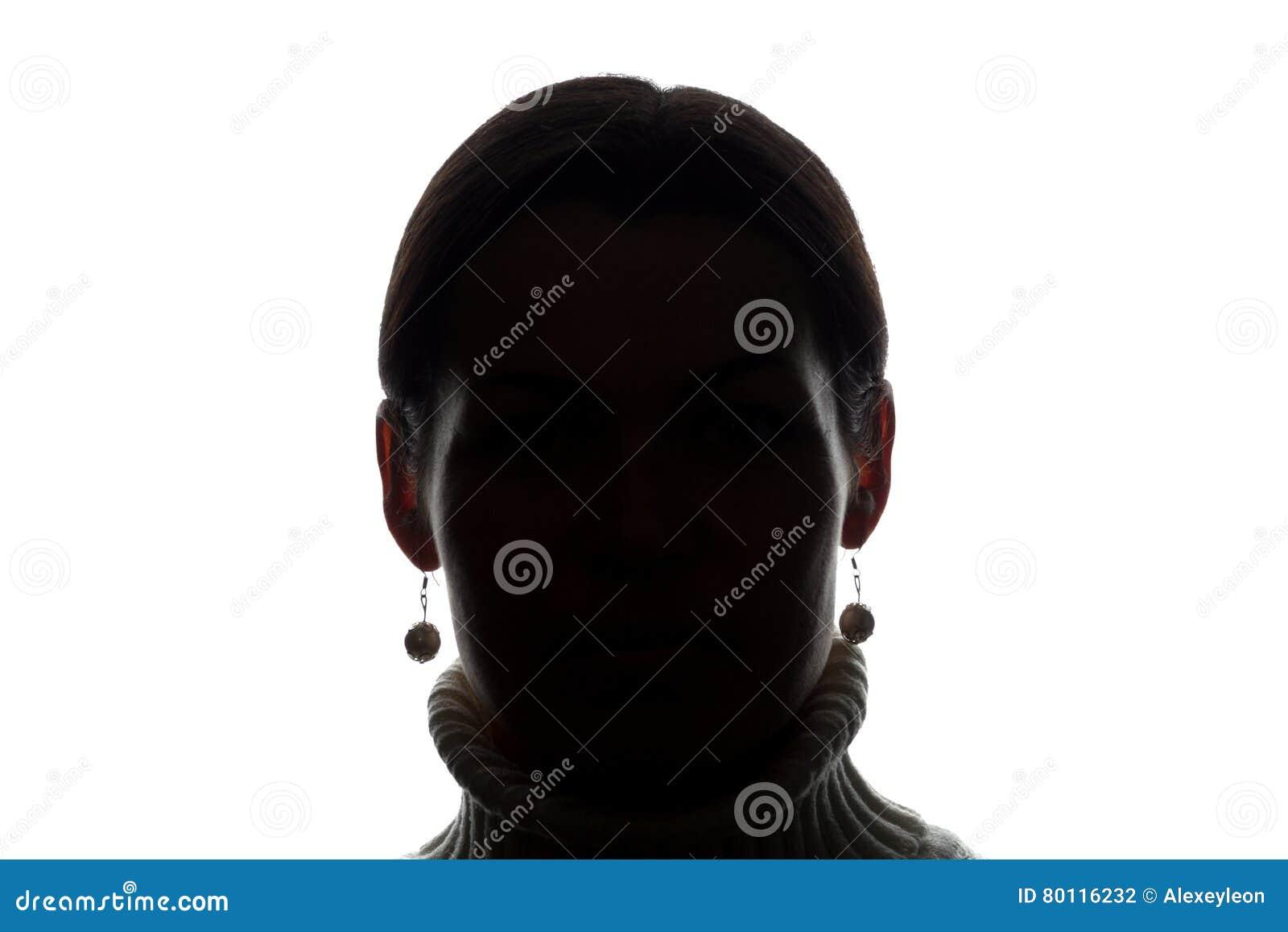 Look ahead de la mujer joven - silueta horizontal